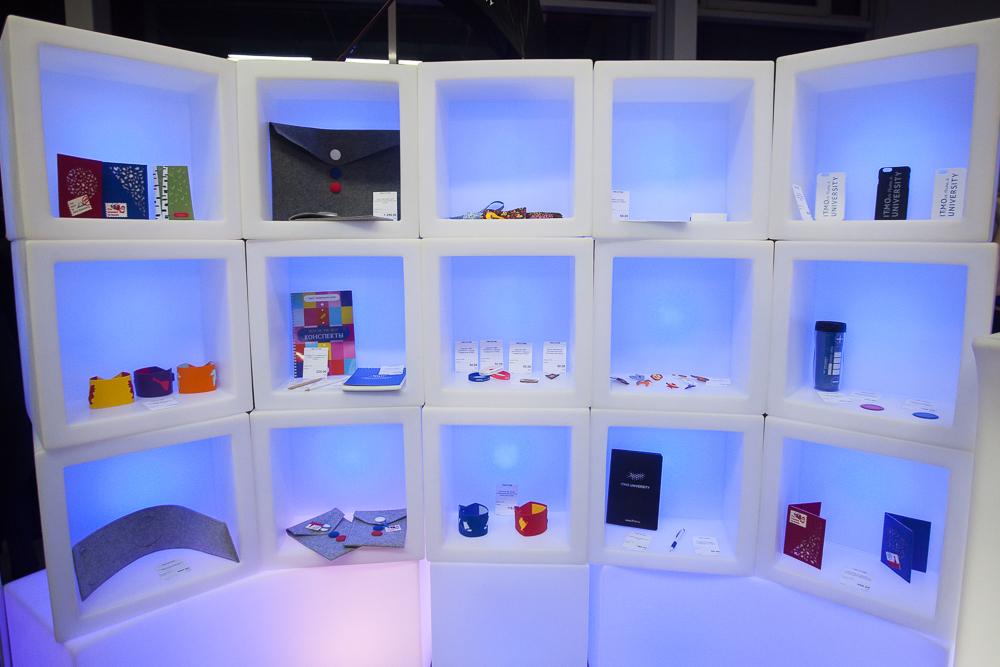 В Университете ИТМО открылся фирменный интернет-магазин ITMO.STORE