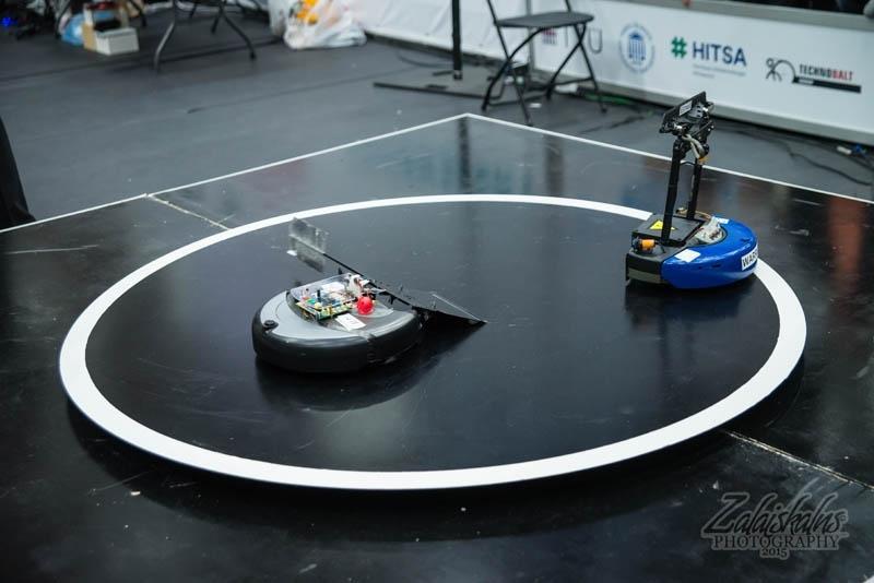 Роботы сумоисты на Robotex. Источник: https://www.robotex.ee