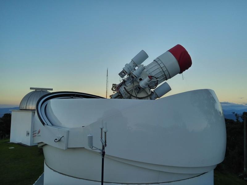 Телескоп с крупногабаритным объективом для слежения за космическим мусором. Источник: личный архив