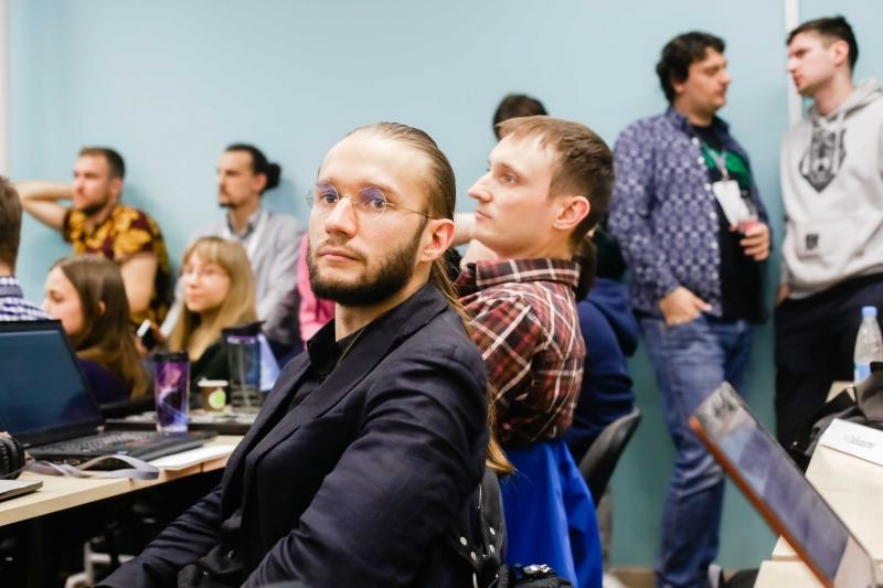 Университет ИТМО. Представитель проекта «Синдикатор»