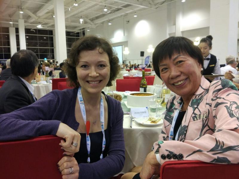 Мария Дидковская (слева)