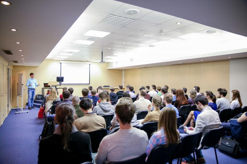 Лекция заведующего кафедрой высокопроизводительных компьютерных технологий Уральского федерального университета Андрея Созыкина
