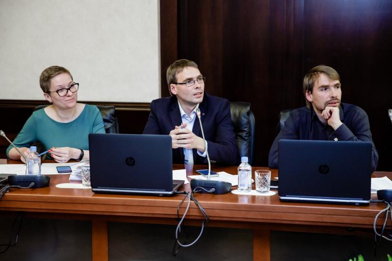 Нина Яныкина и братья Мухины. Фото: пресс-служба Минпромторга России