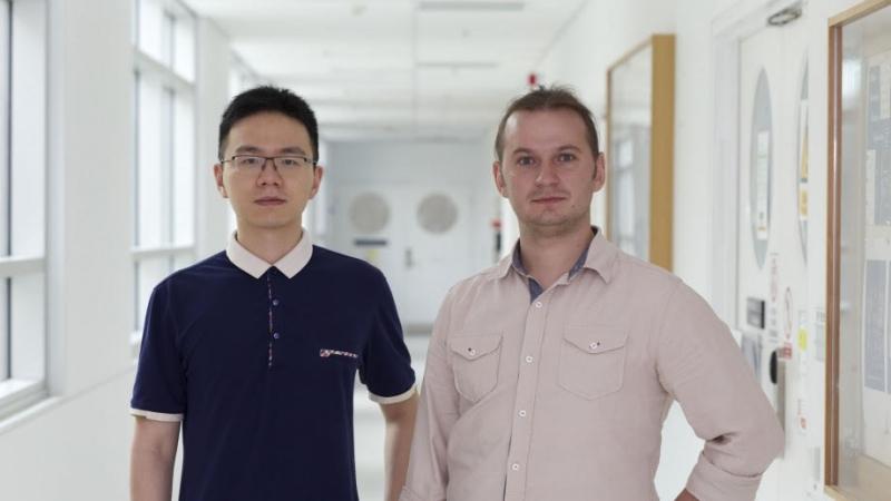 Lei Wang (слева) и Сергей Крук (справа)