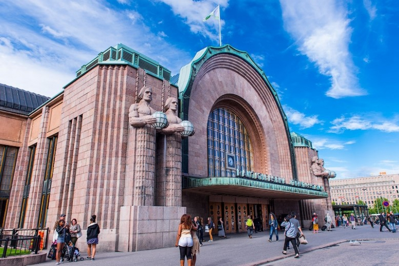 Helsinki Central Railway Station. Credit: traveling.by