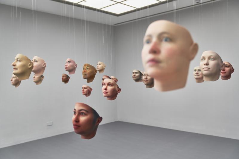 Портреты людей художницы Хетер Дьюи-Хагборг. Источник: fkv.de