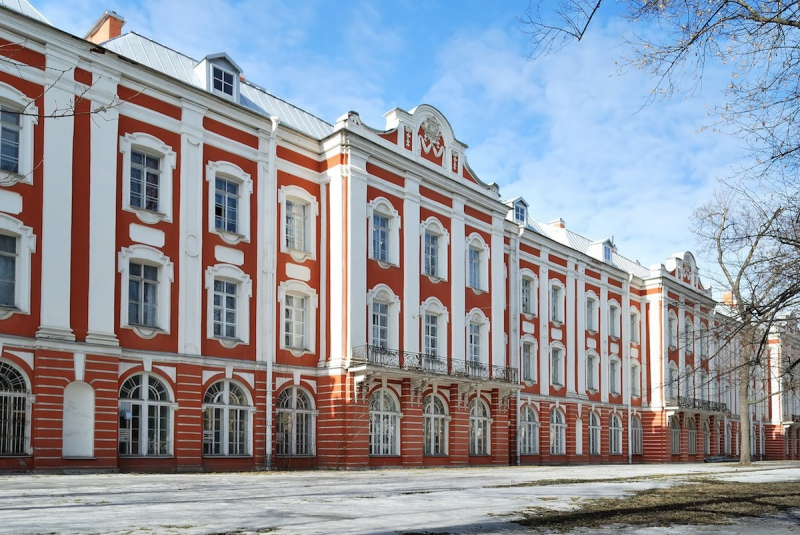 Twelve Collegia Building. Credit: visitrussia.com