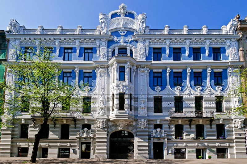An Art Nouveau building on Elizabetes iela. Credit: city24.lv