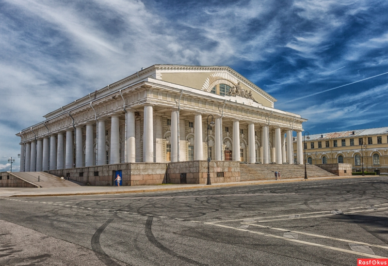 Old Stock Exchange. Credit: peterburg.ru