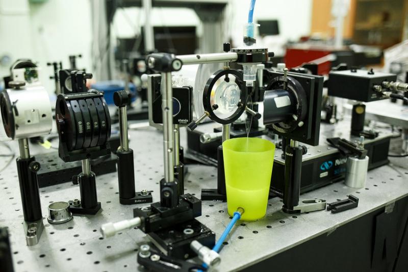 Оборудование для генерации терагерцового излучения в жидкости