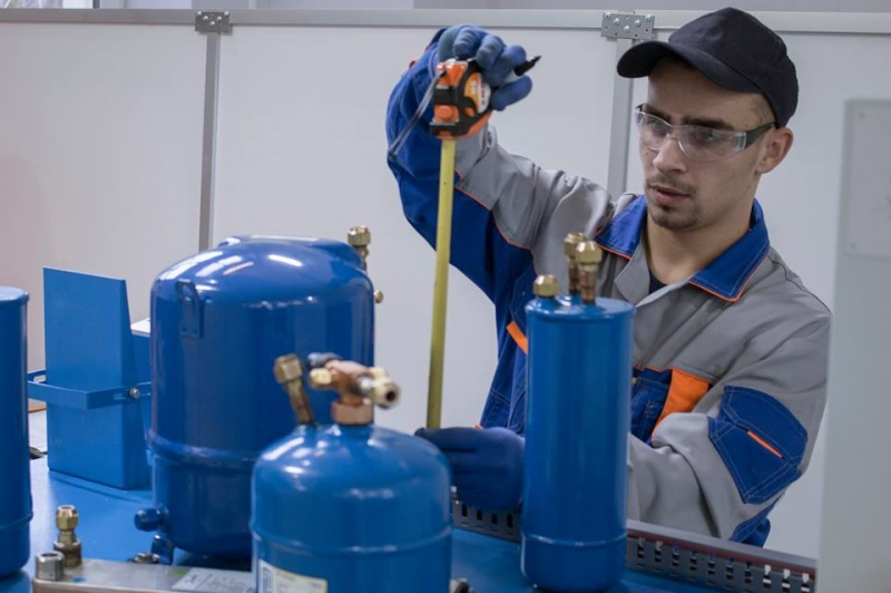 Workshop on the skill category 'Cryogenic Technology and Conditioning Systems'. Credit: worldskills.moscow