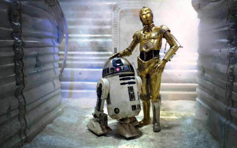 Роботы R2D2 и C3PO. Источник: hu.ign.com