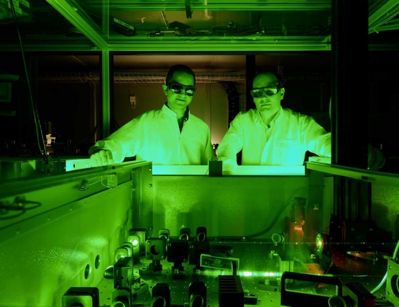 Терагерцовый лазер. Источник: psi.ch