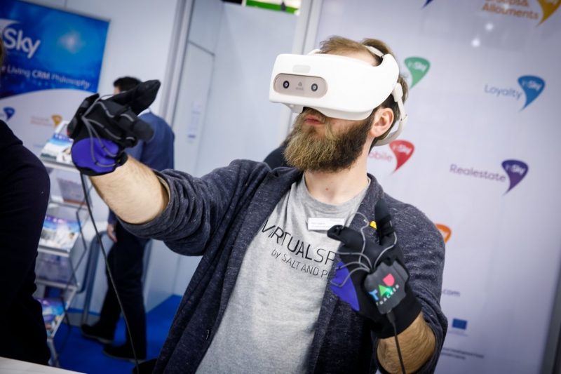 TAU Tracker at Cebit 2018. Credit: tautracker.com