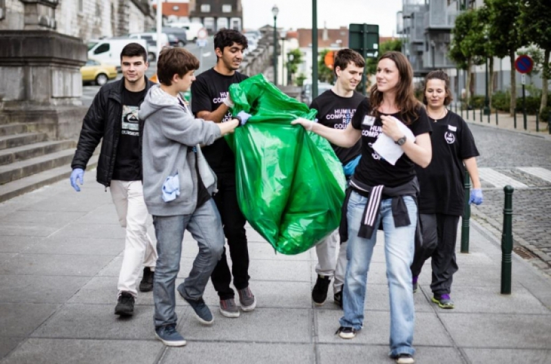 Eco-volunteering in Belgium. Credit: thebulletin.be