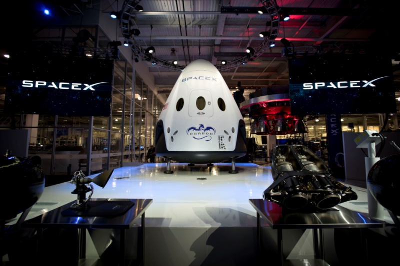 Dragon 2 Spacecraft by SpaceX. Credit: spacex.com