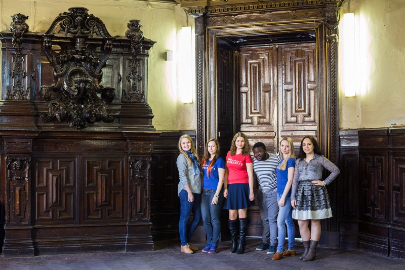 ITMO University students at the former manor of the Stroganov family