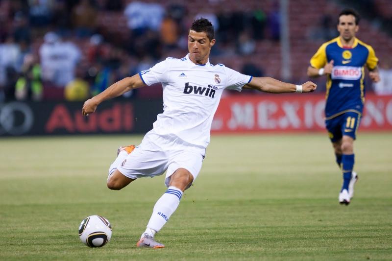 главных полезных картинки футболист бьющий по мячу магнолия гибридная