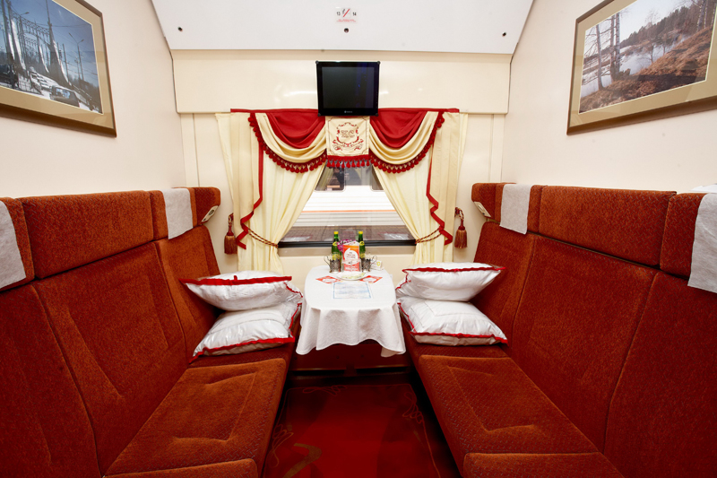 "Inside the private cabin in the ""Red Arrow"" train. Credit: tutu.ru"