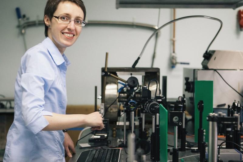 Выпускница университета Александра Калашникова получила премию Президента в области науки