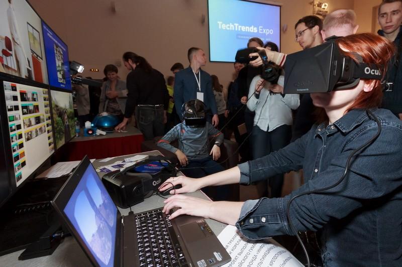 Турнир по телекинезу, умные роботы и виртуальные аттракционы: что показывали на TechTrends Expo