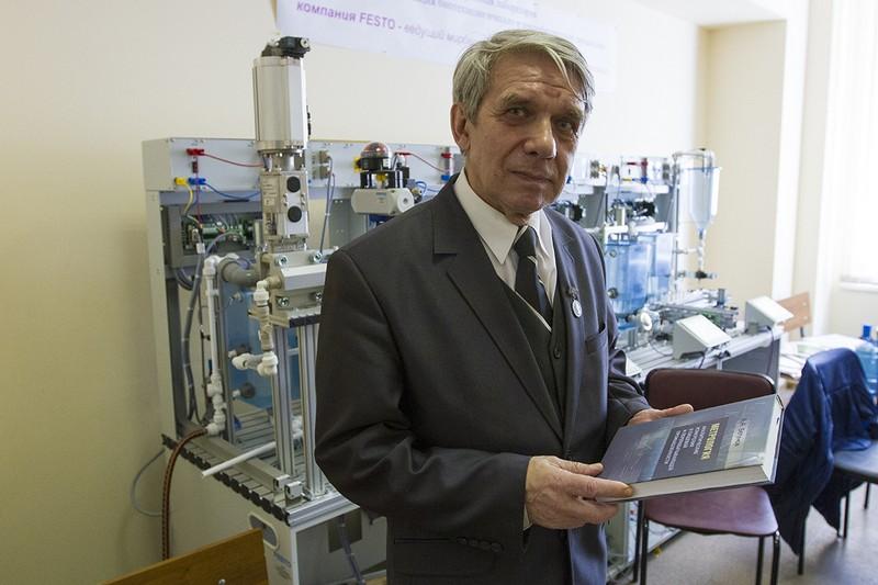 Профессор университета награжден премией Правительства Санкт-Петербурга