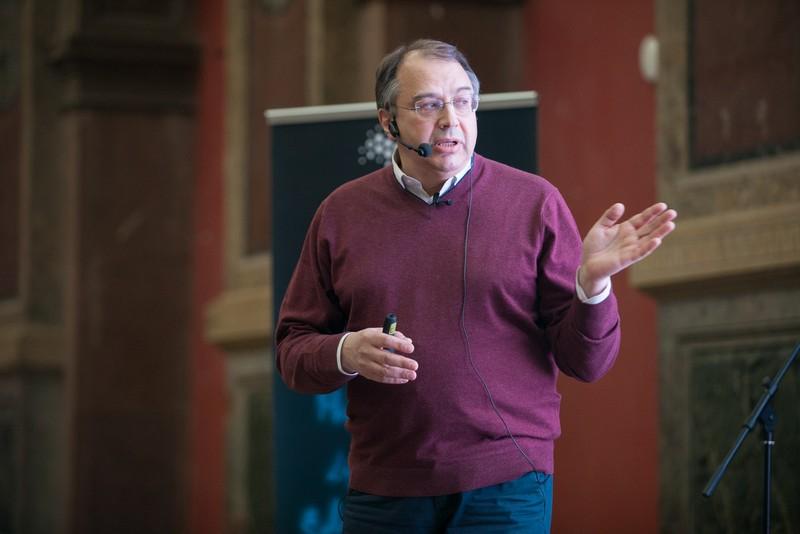 Сергей Стафеев: «21 век – лучшее время для объединения ученых и художников»