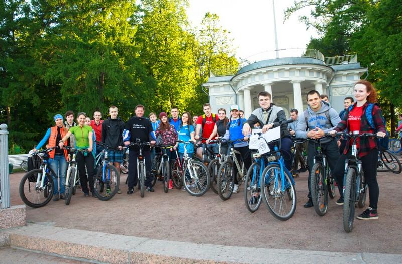 В Санкт-Петербурге прошла вторая открытая велопрогулка с ректором Университета ИТМО