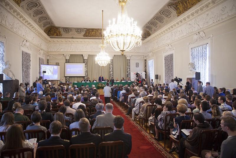 Нобелевские лауреаты в Петербурге обсудят будущее наноструктур