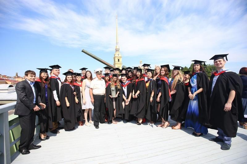 Университет ИТМО отпраздновал самый масштабный выпуск в истории вуза