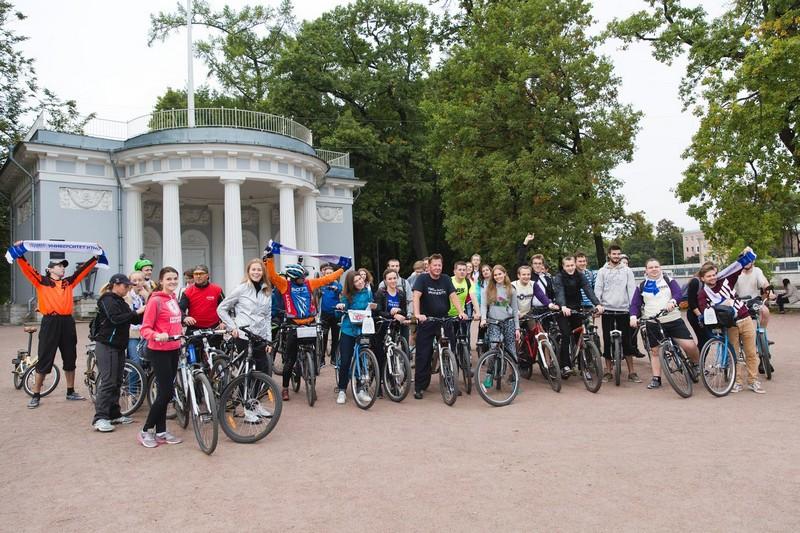 Открытые велопрогулки с ректором Университета ИТМО становятся петербургской традицией