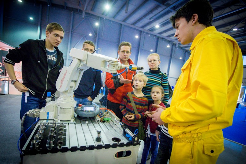 Делегация Университета ИТМО посетила WorldSkills Hi-Tech-2015