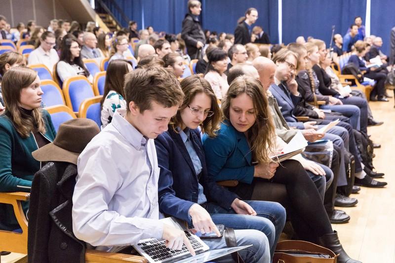 Управление временем, нанохимия и покорение космоса: стартовал V Всероссийский конгресс молодых ученых