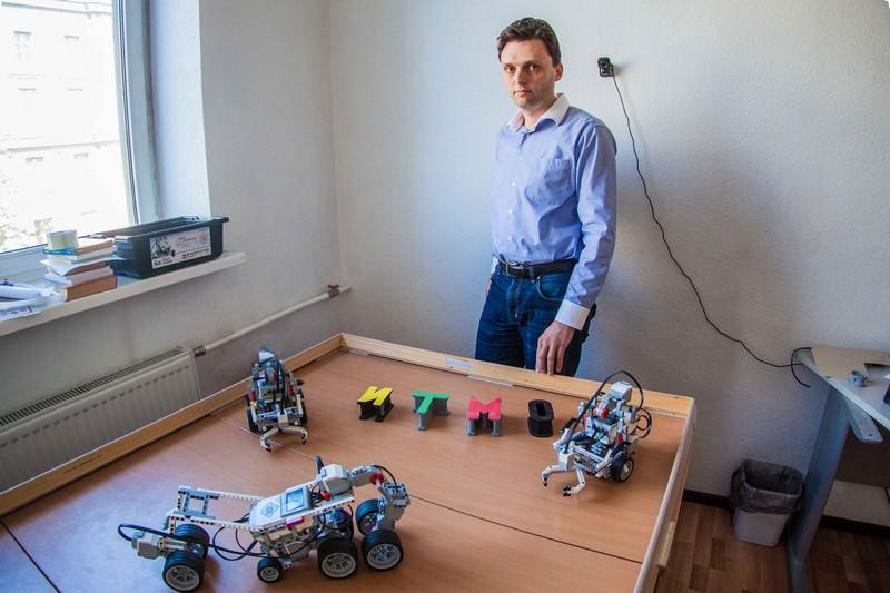 Самостоятельные роботы и путеводитель по миру: что Университет ИТМО показал на ITEA Event 2016