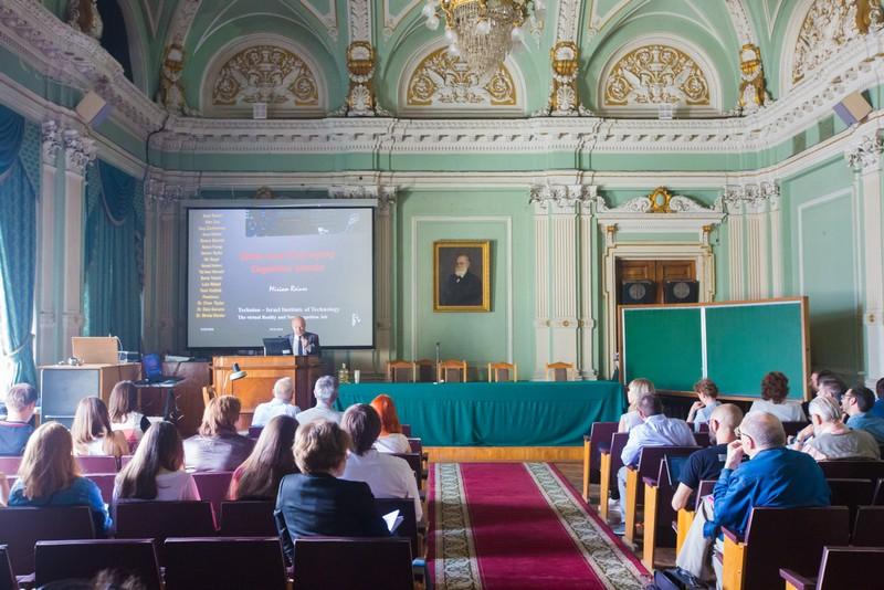 На симпозиуме в Институте физиологии имени Павлова обсуждают будущее нейротехнологий