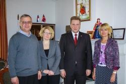 Петербург наладит сотрудничество с вузами Армении