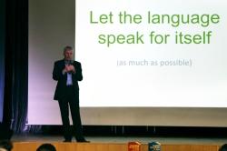 Автор легендарного учебника по английской грамматике поделился опытом с преподавателями