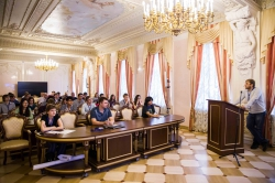 Summer School for Nanophotonics and Metamaterials Started at ITMO U