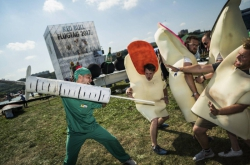 Giant Paper Plane Dives in at Red Bull Flugtag
