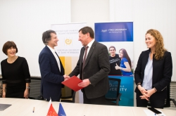 ITMO University and EUSP Launch Joint Master's Program 'Science and Technologies in Society'