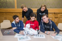 Academy of Talents: ITMO's Specialists from Institute of Design & Urban Studies Host Lectures for School Students